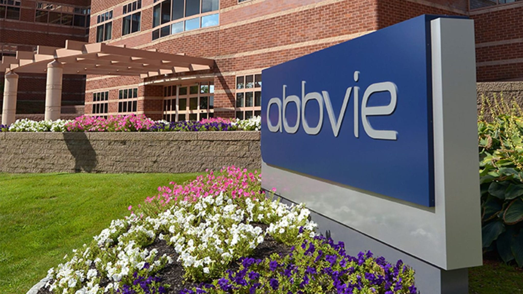 Top analyst offers a rare, upbeat interpretation of AbbVie's $63B Allergan deal — but there's a catch